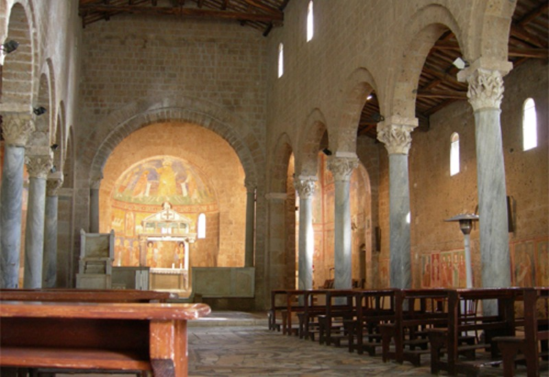 pellegrinaggio-Roma-Assisi-Castel-santElia-basilica-01